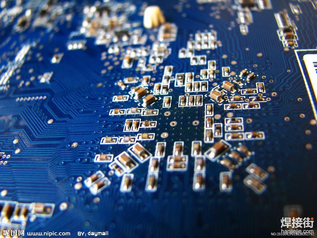 凝睿电子科技以现有的被动元器件样品中心为基础,配备自动锡膏印刷机,专业自动光学对中系统、全自动贴片机、以及多温区回流焊等设备,为电子类研发企业及工程师提供研发阶段的快速小批量电路板焊接服务,协助用户提高研发效率、缩短开发周期,确保产品品质。企业及工程师仅需提供PCB、Gerber文件、主IC器件,其余的工作,我们的专业团队将提供最快速的备料及焊接服务。   我们可以支持POP封装以及所有的BGA封装,最小至0.